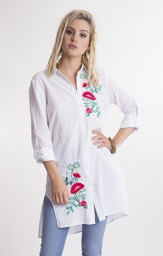 i396 camisa lisa bordada