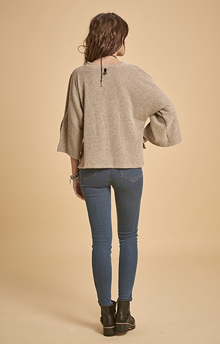H529 SWEATER BUCLE TUMKUR - comprar online