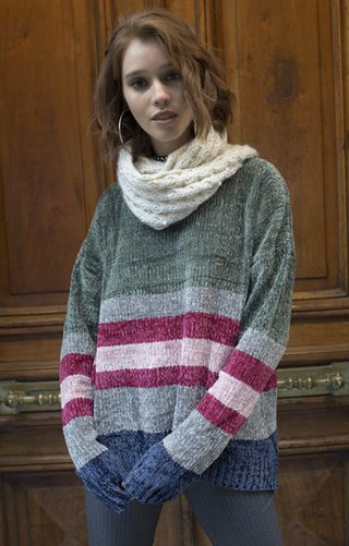 j570 sweater Tafne