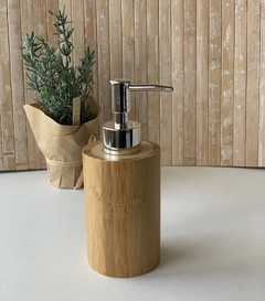 Dispenser bamboo con plateado