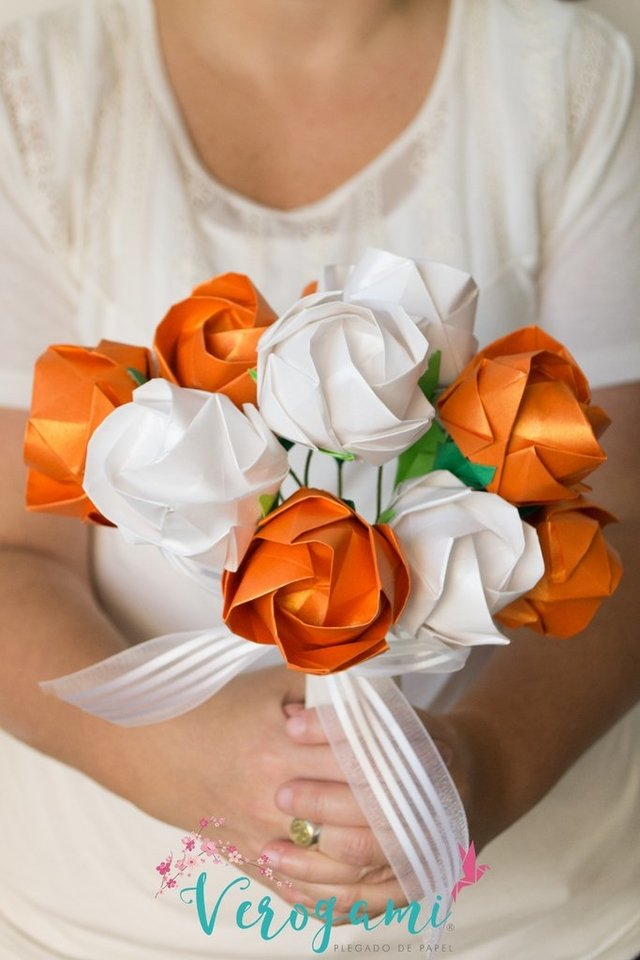 Bouquet de Flores - White and Orange - comprar online