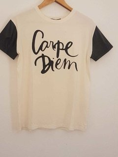 T-shirt Carpe Diem na internet