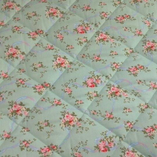 Venta de telas por metro matelasse pique flores fondo for Tela toldo por metros