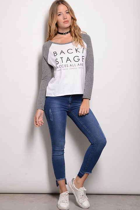 Remera Manga Larga Aspen Combinada con Estampa Back Stage Blanco
