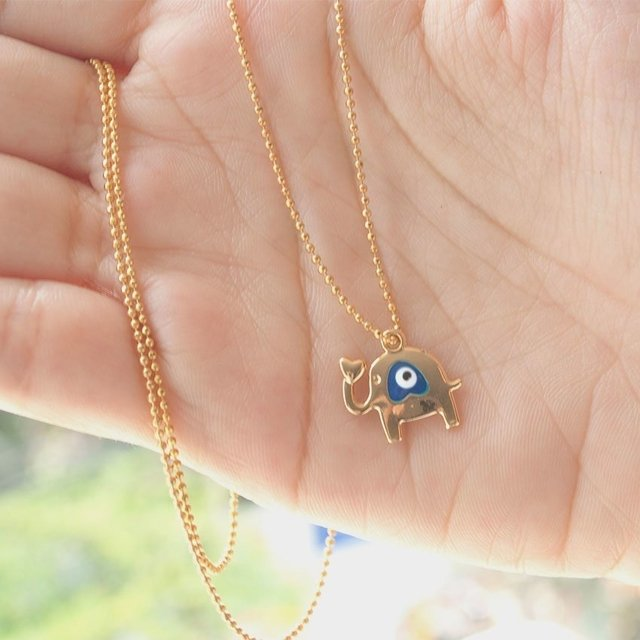 Collar Blue Eye