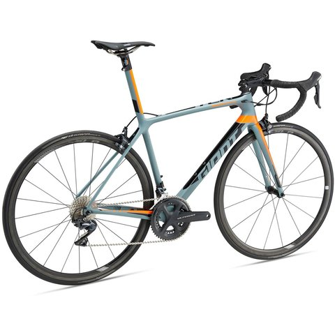 BIC GIANT 700 TCR ADVANCED SL 2 KING OF MOUNTAIN CHARCOAL