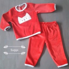 Conjunto plush bordado