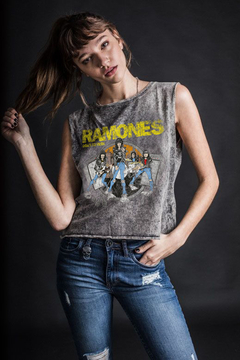 Ramones - Road to Ruin (woman)