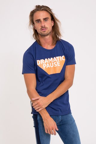 Remera Dramatic en internet