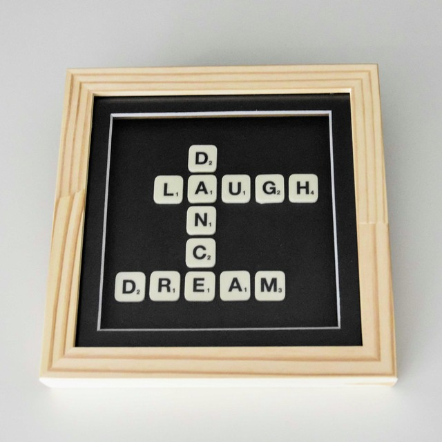 Cuadro Scrabble Laugh Dance Dream - comprar online