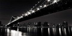 Manhattan Bridge en internet