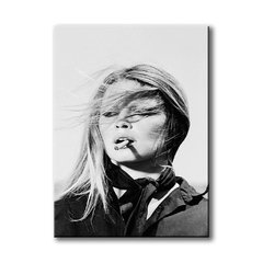 Kate Moss with Cigarette - comprar online