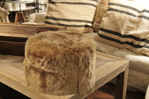 MANHATTAN sheepskin puffs