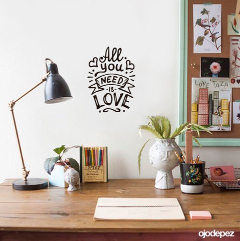 vinilo decorativo en all you need is love