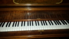 "Importante Piano Antiguo Vertical Americano ""MFD By WING & SON NEW YORK GRAND SCALE 1910"""