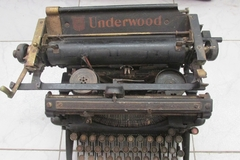 Antigua maquina de escribir Underwood Elliott Fisher 1915 en internet