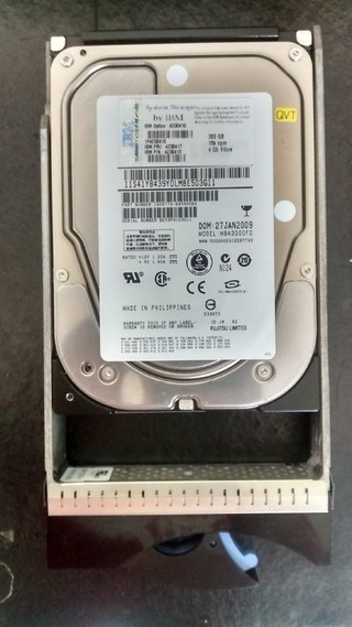 300GB 15K 4GB 3.5in FIBRE CHANNEL DISK - Part Number: CA06776-B45900BA