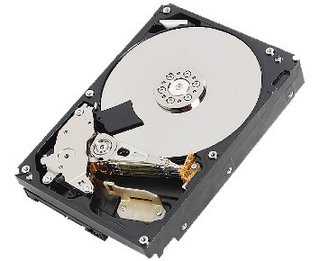 HD Interno Toshiba HDS 1TB SATA 7200rpm 3.5in - Desktop (DT01ACA100 T)