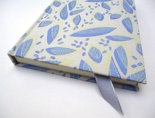 Cuaderno entelado grande Flying leaves - tienda online