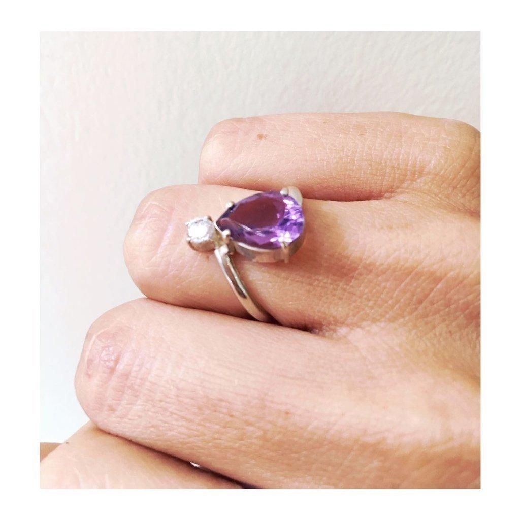 12ff0bfa0814 Anillo plata 925 con piedras amatista lagrima y cuarzo cristal