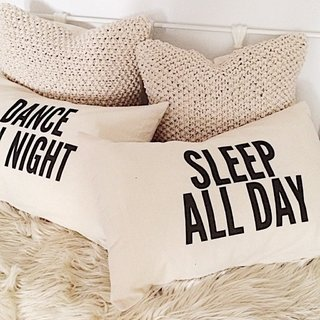 Par de almohadas Sleep all Day & Dance all Night