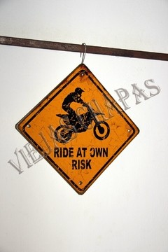 DC-047 RIDE AT OWN RISK - comprar online