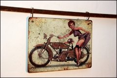 MR-011 Pin Up Moto