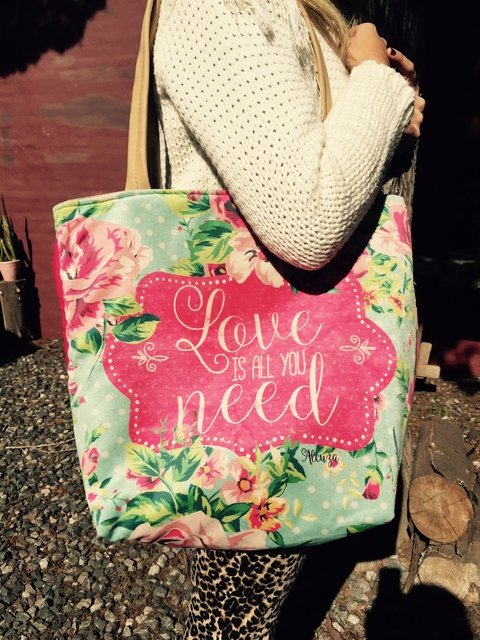 Bolso All you need is love modelo Mary