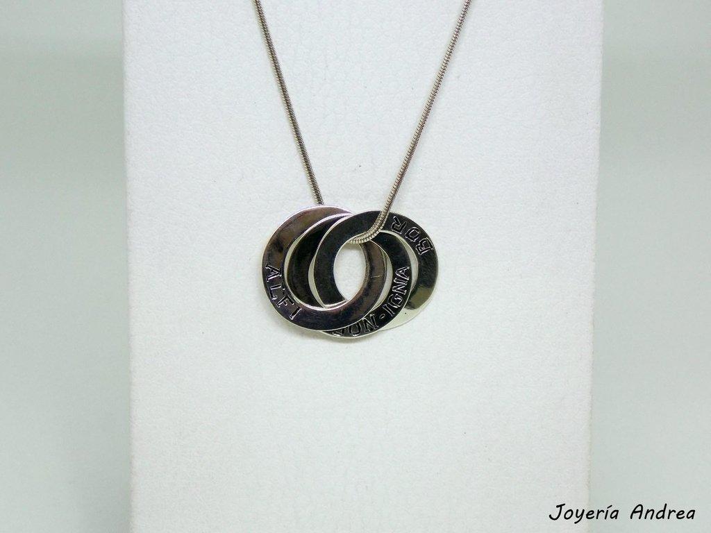 c74947a27156 Collar de Anillos de Plata con Nombres - Joyeria Andrea