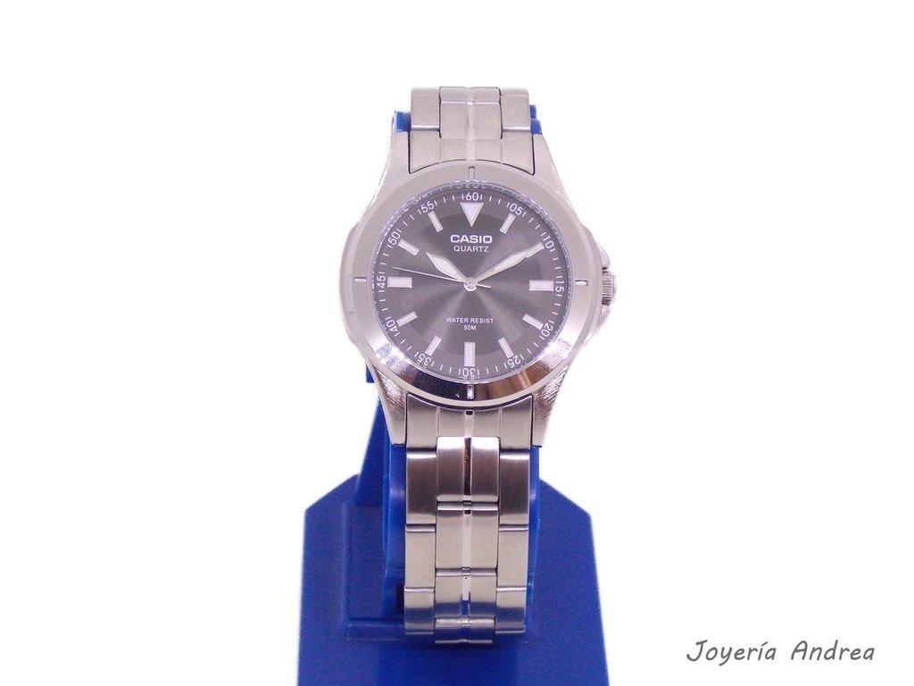 ecf61aeb2376 Reloj Hombre Casio de Acero Sumergible - Joyeria Andrea