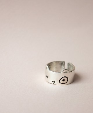 Panda Ring on internet