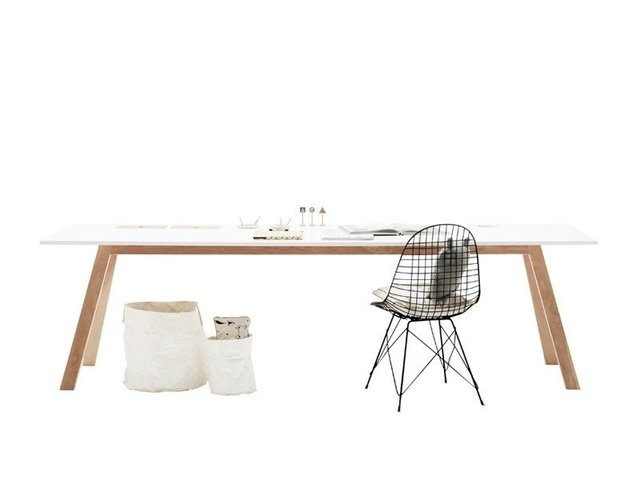 MAXXI TABLE