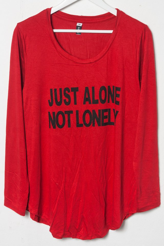R1026/5 Syes, Remera estampa Just alone not lonely, Talles grandes - tienda online