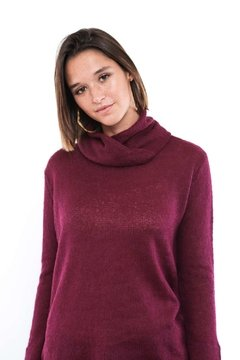 SWEATER PUELO CON CUELLO DESMONTABLE CIRUELA en internet