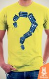 Camiseta Doctor Who - Who - by RicoMambo | Geekdom Store | www.geekdomstore.com