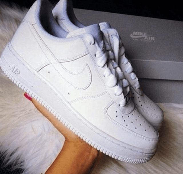 Nike air force cano baixo branco