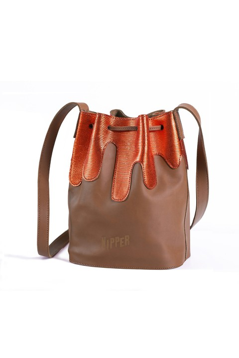 Brown Volcano Shoulder bag. 100% leather. Made in Argentina.