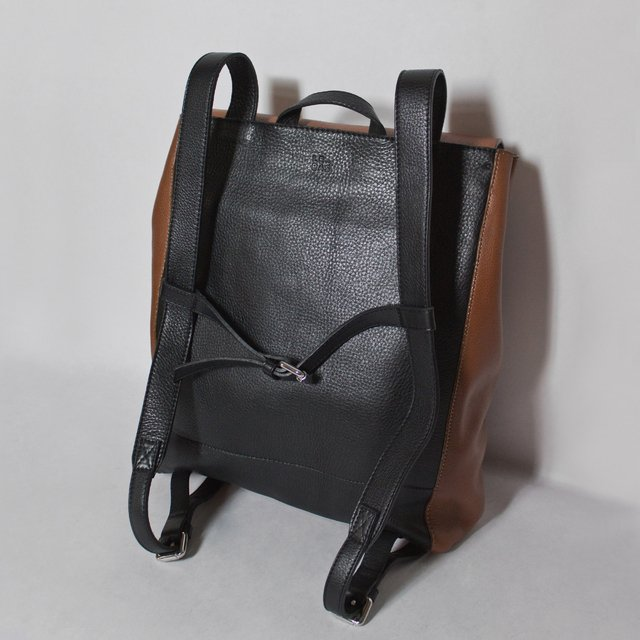 Chestnut and black leather backpack by Le Bas. Made in Argentina