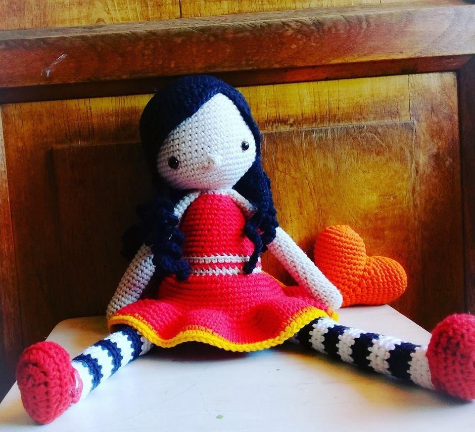 muñeca piernas largas amigurumi
