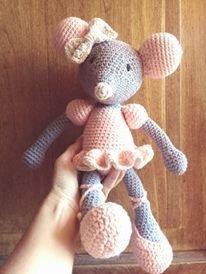 muñecos tejidos con algodón sedificado ratoncita