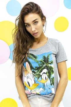 Remera gris Donald y Daisy Vacations Mood