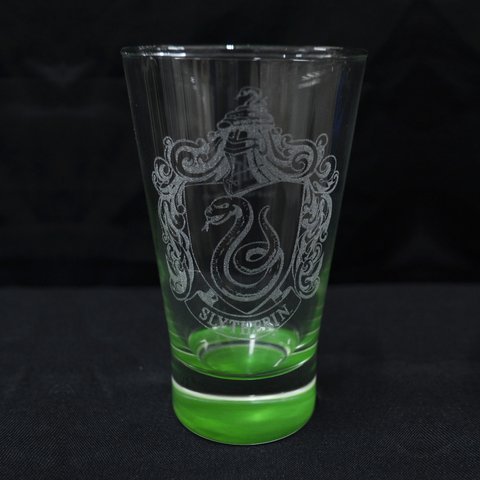 Vaso Oficial Grabado Slytherin Base Color en Caja Harry Potter HP Argentina
