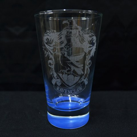 Vaso Oficial Grabado Ravenclaw Base Color en Caja Harry Potter HP Argentina