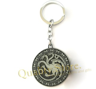 Llavero casa Targaryen relieve plateado opaco Fire and Blood got game of thrones argentina