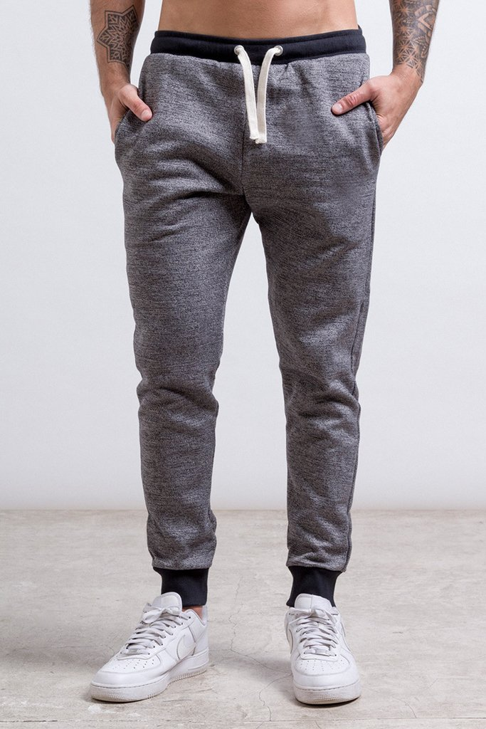 Black & white  skinny Jogger on internet
