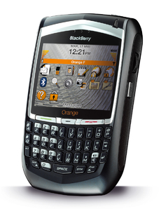 CELULAR BLACKBERRY 8700G Bluetooth, Viva Voz, Quad Band (850/900/1800/1900)