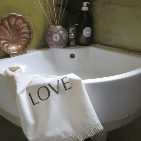 Deco Towel LOVE | Kitchen & Bath