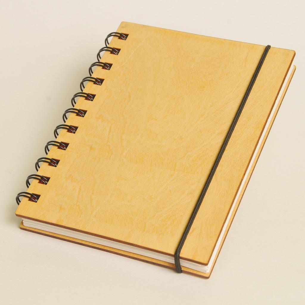 Cuaderno tapa de madera A6 - (148x105mm) - Imantados