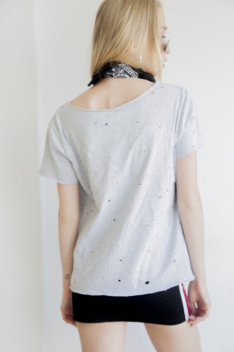 Remera Brunette [Gris] en internet