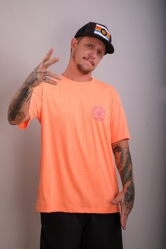 Camiseta Édem Patch Neon Laranja